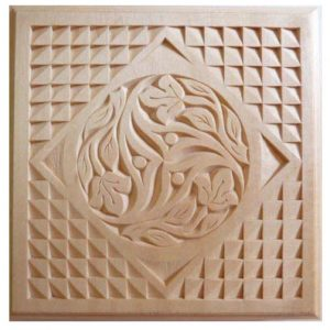 trivet old world style with rosette